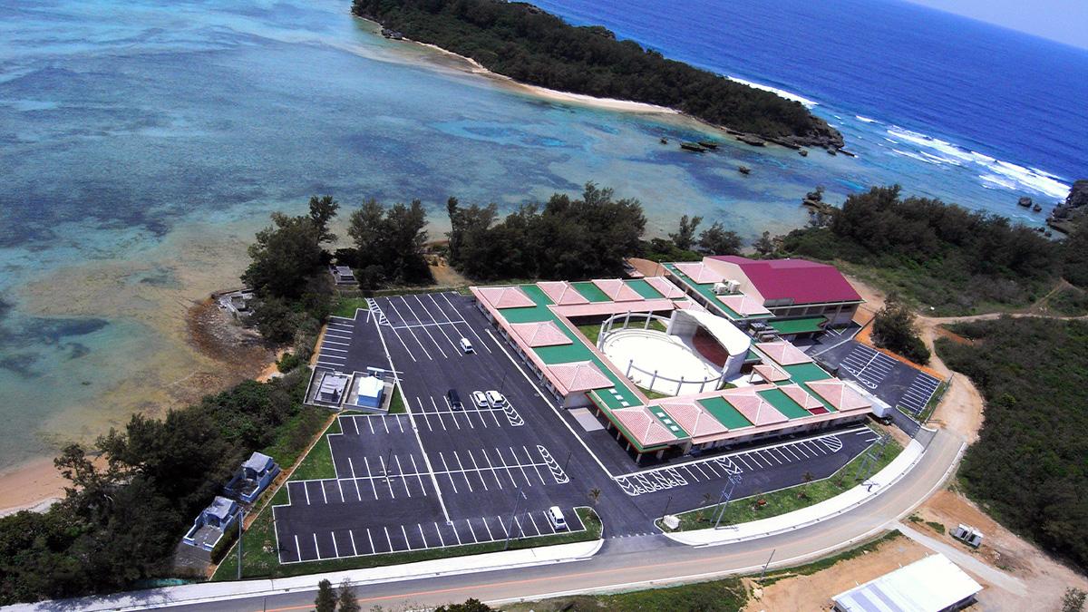 沖縄県恩納村「ゆうなホール」